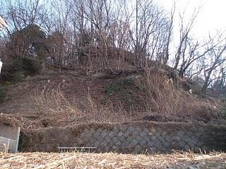 着工前の土地(擁壁の上から)