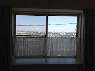 パソコン部屋の出窓